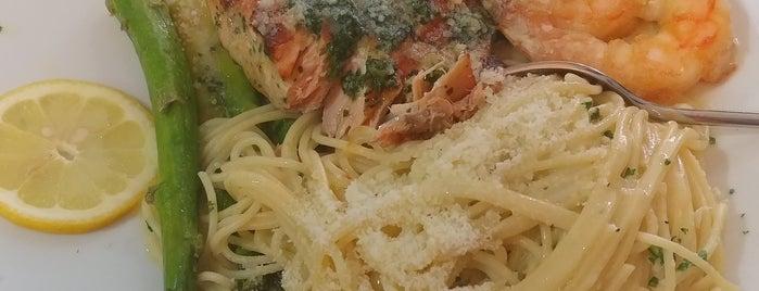 Umberto's Italian Grill is one of Tyrone'nin Kaydettiği Mekanlar.