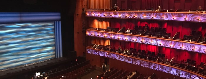 Tobin Center for the Performing Arts is one of Locais curtidos por Kim.