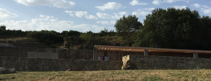 La Neocueva is one of Lieux qui ont plu à Rafael.