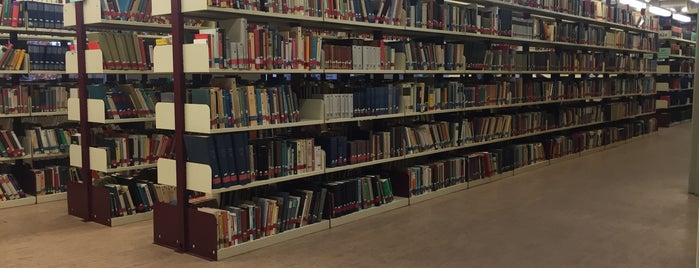 Universitätsbibliothek is one of Orte, die Kai gefallen.
