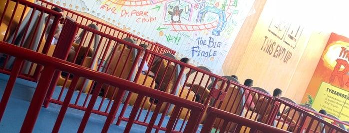 Slinky Dog Dash is one of Lugares favoritos de Priscila.