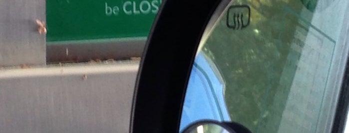Citizens Bank is one of Tempat yang Disukai Chelsea.