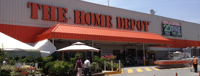The Home Depot is one of Locais curtidos por Alberto.