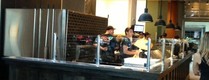 Tony Sacco's Pizza is one of Gespeicherte Orte von Michael.