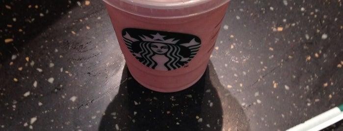 Starbucks is one of Tempat yang Disukai Andrea.