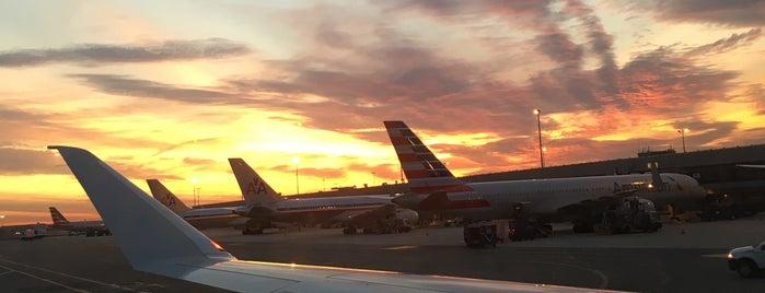 ジョン F ケネディ国際空港 (JFK) is one of Nueva York.