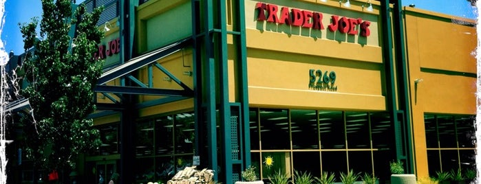 Trader Joe's is one of Lugares favoritos de Michael.