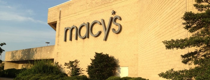 Macy's is one of ben😎さんのお気に入りスポット.