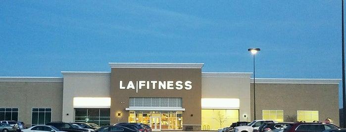 LA Fitness is one of Michele'nin Beğendiği Mekanlar.
