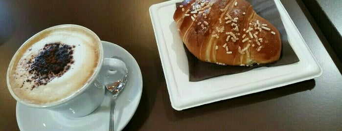 Caffè Viennese is one of Legychさんの保存済みスポット.