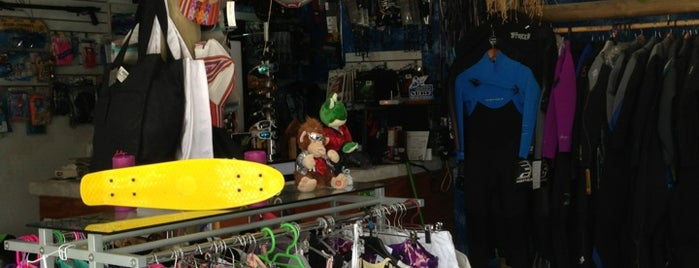 H&M Surf is one of Mario'nun Beğendiği Mekanlar.