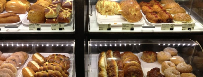 Starry Bakery And Café is one of Sunday Bakeries.