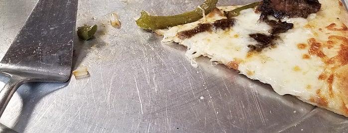 Home Team Pizzeria is one of Orte, die Michael gefallen.