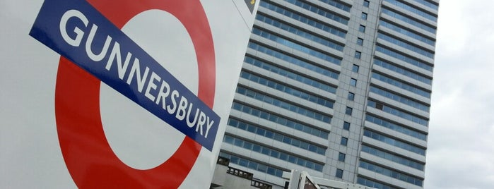 Gunnersbury Railway Station (GUN) is one of Aishaさんのお気に入りスポット.
