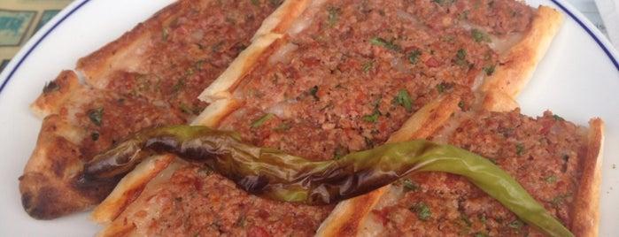 Dost Pide & Pizza is one of Özlem'in Beğendiği Mekanlar.