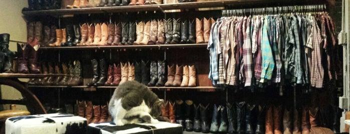 Boot Girl Warehouse is one of Monica 님이 좋아한 장소.