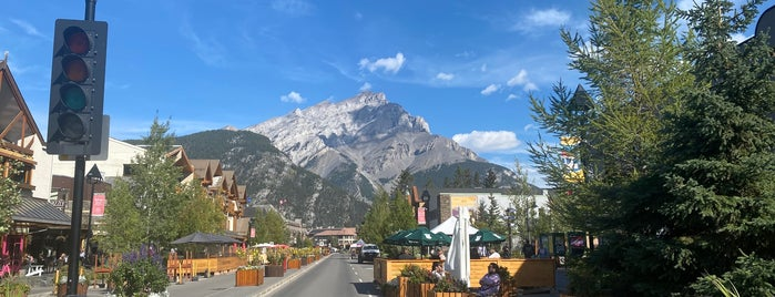 Town of Banff is one of Alberta.