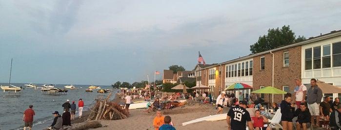 Beattie Beach is one of สถานที่ที่ Amy ถูกใจ.