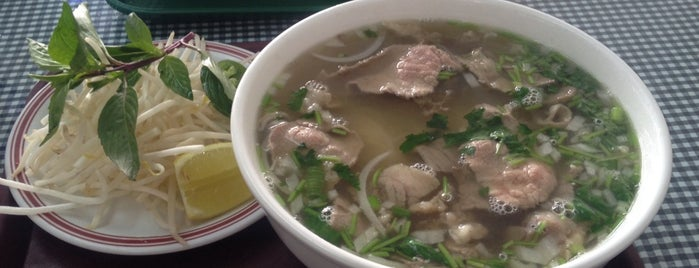 Kim's Vietnamese Food is one of Locais curtidos por Jingyuan.