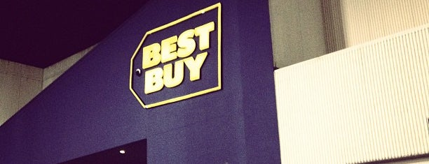 Best Buy is one of Lanre 님이 좋아한 장소.