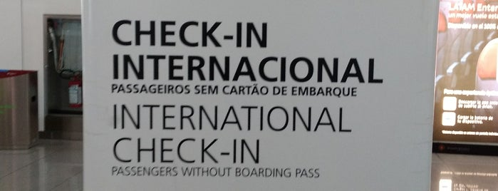 LATAM Check-in is one of Locais curtidos por Markus.