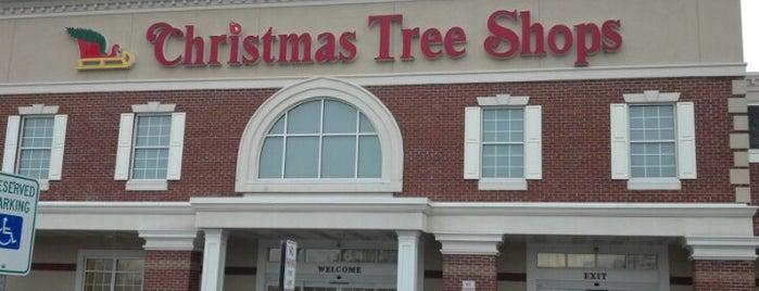 Christmas Tree Shops is one of Posti che sono piaciuti a Steve.