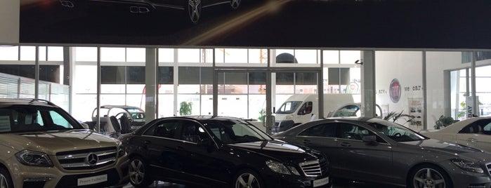 Mercedes-Benz Showroom is one of Posti che sono piaciuti a Mohamed.