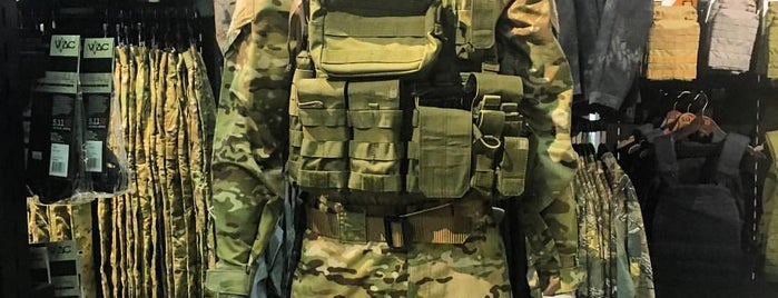 5.11 Tactical is one of Lieux qui ont plu à Bigmac.