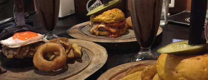 Rock Me Burger & Bar is one of Chiang Mai.