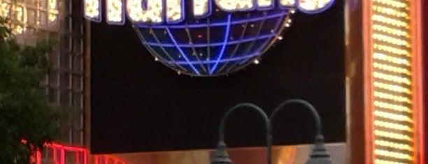 Harrah's Reno Casino & Hotel is one of Locais curtidos por Chandini.