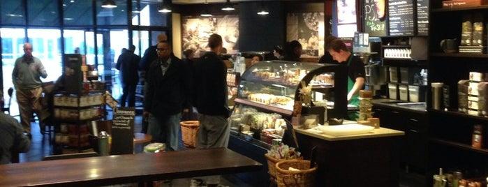 Starbucks is one of Locais curtidos por Cody.