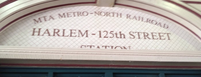 Metro North - Harlem - 125th Street Station is one of Locais curtidos por Jason.