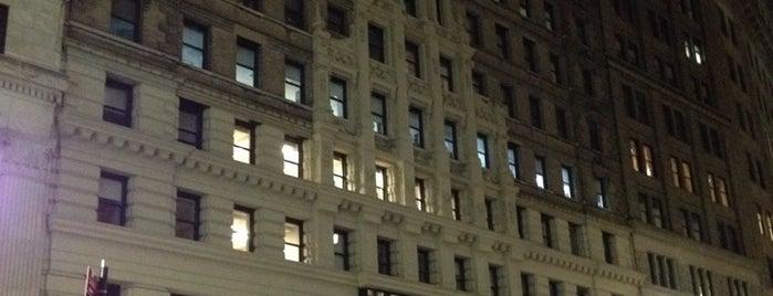 42 Broadway is one of Tempat yang Disukai Jason.