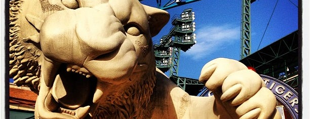 Tiger Statue by Keropian Sculpture is one of Detroit list.