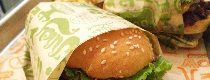 Super Duper Burgers is one of Posti che sono piaciuti a Khaled.