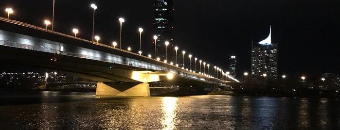 Reichsbrücke is one of Wien.