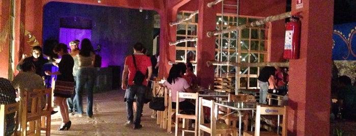 Mala Vida Bar - Galería - Restaurant is one of Restaurantes, bares y cafés.