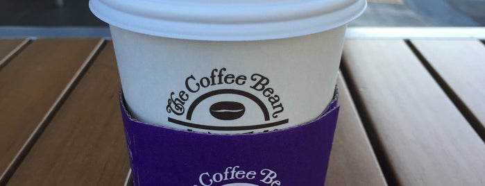 The Coffee Bean & Tea Leaf is one of Mike 님이 좋아한 장소.