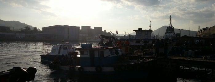 Ponta d'Areia is one of Rio de Janeiro.