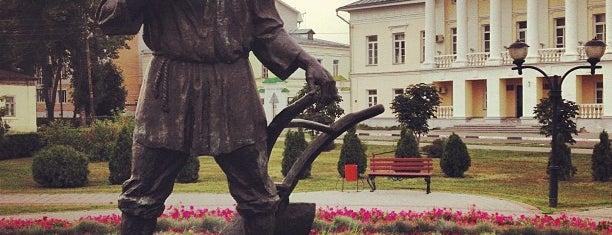 Памятник тамбовскому мужику is one of Russia10.