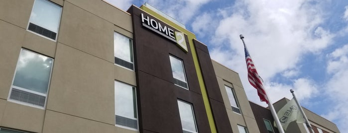 Home2 Suites by Hilton is one of Locais curtidos por Mary.