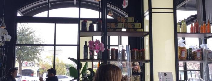 Loveria Caffe is one of Lugares guardados de Gary.