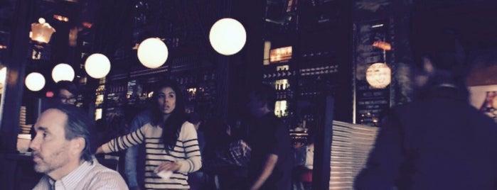 The Misfit Restaurant + Bar is one of สถานที่ที่ Sam ถูกใจ.