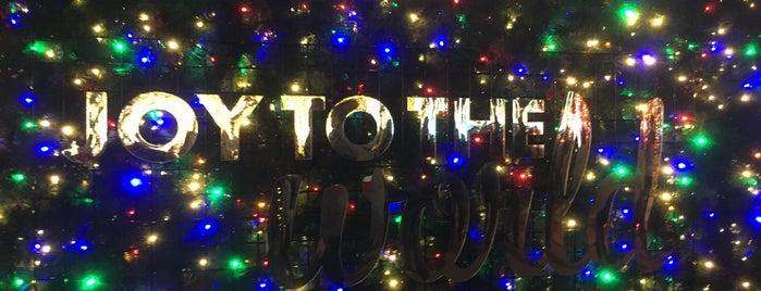 Enchant Christmas Seattle is one of Orte, die Omkar gefallen.