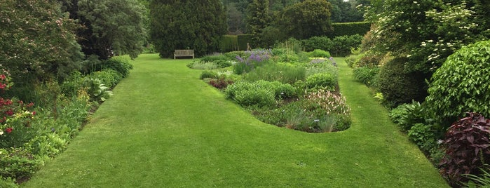 Waterperry Gardens is one of Elliott's Liked Places.