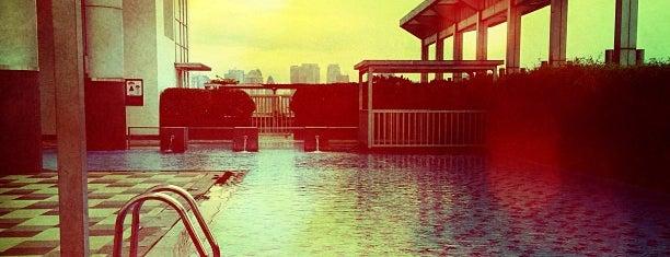 Swimming pool's Cosmo terrace is one of Tempat yang Disukai Jose.