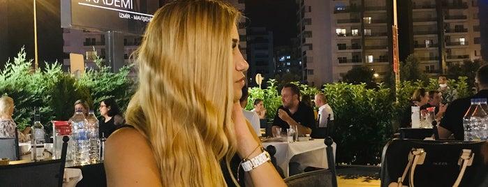 Mavişehir Et Balık Restaurant is one of Tempat yang Disukai Resul.