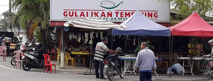 Gulai Ikan Temenung is one of Locais curtidos por Sholihin.