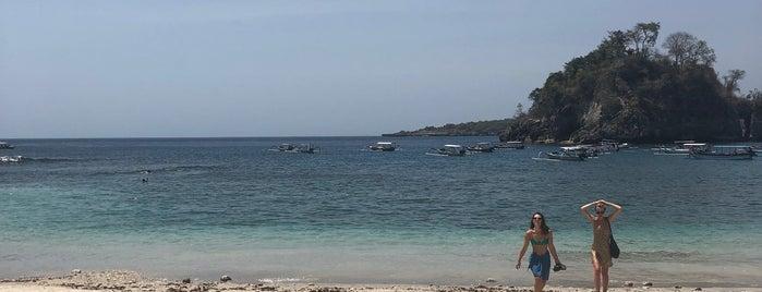 Crystal Bay is one of สถานที่ที่ Olina ถูกใจ.