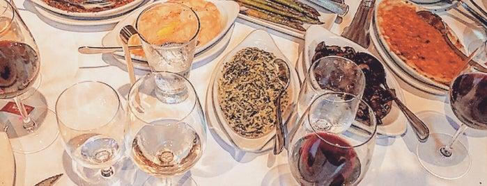 Ruth's Chris Steak House is one of Dubai Restaurant-U Need 2 GO.